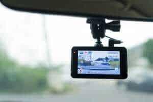 מצלמת דרך ברכב