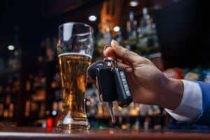 כמה זמן אחרי שתיית אלכוהול מותר לנהוג
